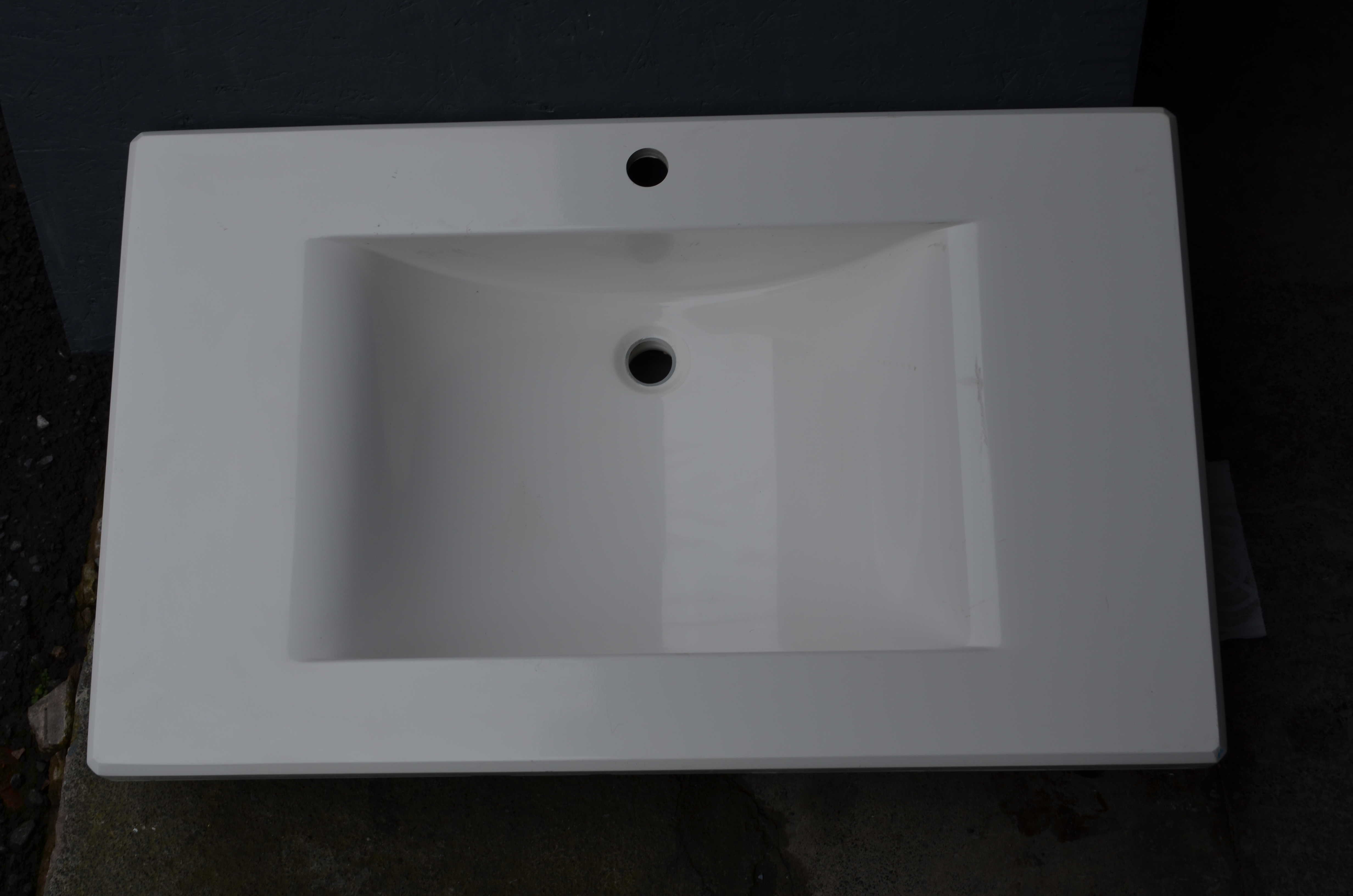 Bathroom sinks - Free with any full kitchen granite orders! RRP ?350